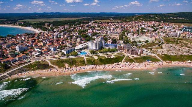Вълнуваща оферта за почивка в Приморско- No name цена в хотели Перла