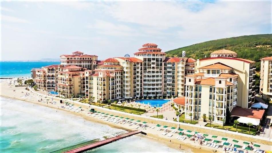 Eлените хотели  8 от Holiday Planet
